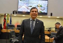 'Jutay vai assumir na ALPB ou na PMJP?', questiona Ricardo Barbosa após saída de Hervázio – OUÇA