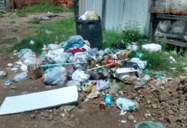 UMA SEMANA SEM O CARRO PASSAR: Moradores da Vila Nassau denunciam falta de coleta de lixo