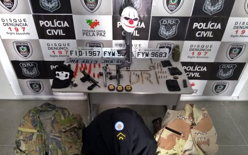 armas - Policiais Militares são presos suspeitos de participar de roubos e sequestros de empresários na Paraíba