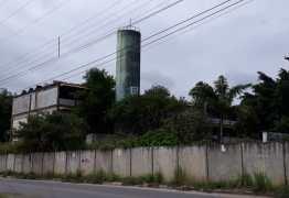 RETRATO DO ABANDONO: Após quase oito anos CAIC de Mangabeira preocupa vizinhos que temem invasão