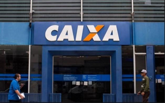 caixa 1 300x188 - Petrobras diz que Caixa pode vender fatia na empresa em oferta secundária