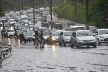 Inmet emite alerta de chuvas intensas para todos os 223 municípios da Paraíba