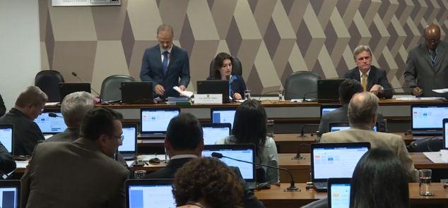 comissão orçamento - Comissão do Senado aprova mudança que amplia gastos obrigatórios do governo