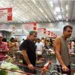 consumidor - Confiança do Consumidor recua 1,5 ponto de março para abril