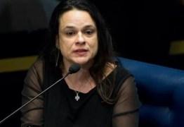 Após denúncia, Janaína Paschoal pede demissão de ministro do Turismo