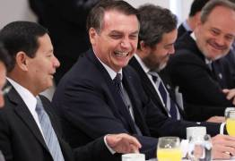 Brasil não é 'paraíso gay', mas 'quem quiser vir fazer sexo com mulher, fique à vontade', diz Bolsonaro
