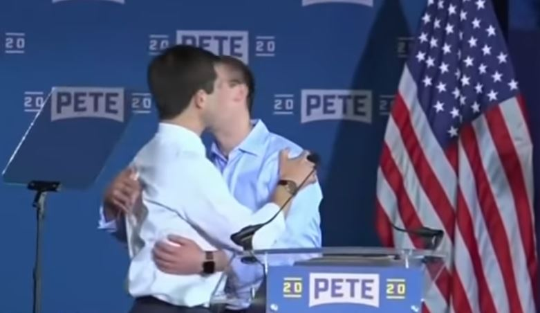 pete - Prefeito beija marido em seu lançamento de campanha para a presidência dos EUA - VEJA VÍDEO