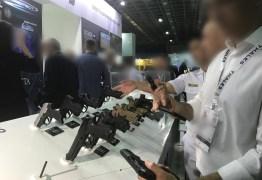 COM O PRESIDENTE NO LOCAL: pistola é furtada em evento de segurança com fabricantes de armas