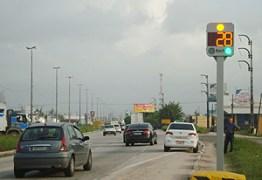 BOLSONARO CEDE E FARÁ ACORDO: DNIT vai instalar radares e fiscalizar 'trechos críticos' das rodovias