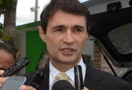 Prefeito Romero anuncia nomes dos novos secretários da PMCG; saiba quem são
