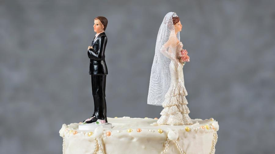 separacao divorcio termino casamento reconciliacao noivos bolo 1522948375923 v2 900x506 - ALIENAÇÃO FINANCEIRA: Mulher tem direito a patrimônio mesmo em separação total de bens; veja mais