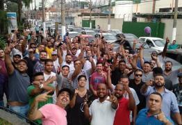 Motoristas da Uber e 99 protestam por tarifa mais cara para passageiros