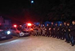 Operações policiais apreendem armas brancas e estabelecimento comercial é fechado na Paraíba