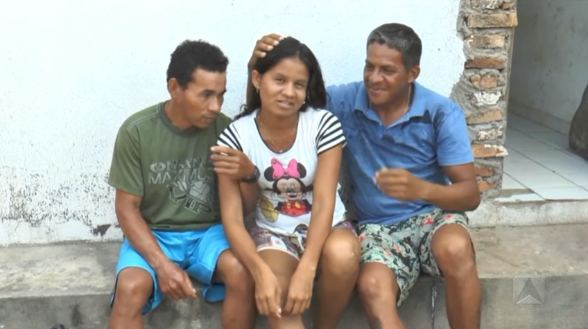 1 1 1 - AMOR A TRÊS: Mulher vive com dois 'maridos' na mesma casa em Parnaíba; VEJA VÍDEO