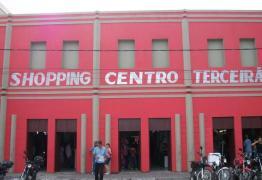 DE LUZ APAGADA: Comerciantes do Terceirão sofrem com prejuízos após corte de energia