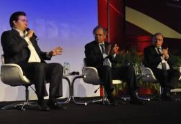 Em debate com Guedes, Maia cobra medidas para enfrentar desemprego