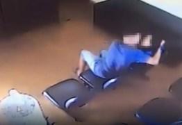 Homem é preso ao agredir ex-companheira dentro de Delegacia da Mulher – VEJA VÍDEO