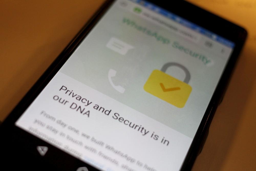 2019 05 14t140453z 2 lynxnpef4d0ys rtroptp 4 tech whatsapp spyware - Programa suspeito de usar brecha no WhatsApp foi criado por empresa polêmica