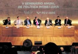 'Não se pode querer que a política monetária faça tudo', afirma o economista Affonso Celso Pastore