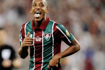 29 - Com noite fenomenal, João Pedro chega a números superiores a Ronaldo e cia no início de carreira