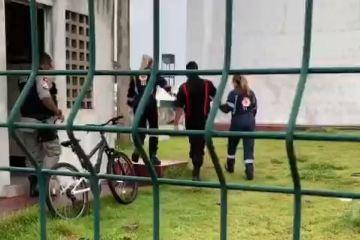 Capturar 48 - Vigilante tem armas roubadas e é baleado em Escola Técnica na cidade de Bayeux; VEJA VÍDEO