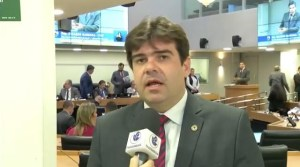 EDUARDO CARNEIRP 300x167 - Deputado pede unificação de dados e sugere criação de Frente Parlamentar do Trânsito e comenda Fátima Lopes