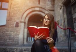 Bolsas de estudo no exterior são ofertadas através de concurso cultural