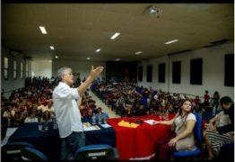 Ricardo Coutinho critica cortes de 30% no orçamento das universidades federais