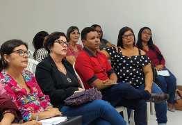 Prefeita Márcia Lucena participa de reunião sobre o projeto 'Família que Acolhe' do MPPB
