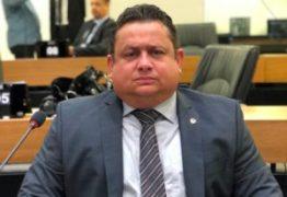"""Galdino anuncia veto a uso de armas na ALPB e Wallber rebate: """"Não vai ser o regimento interno que vai cobrir essa autorização que tenho"""""""