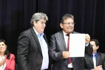 """""""Terá candidato"""", afirma possível vice, Adriano Galdino, sobre João Azevêdo e eleição presidencial em 2022"""