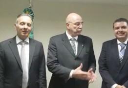 Em reunião com ministro e secretário, Aguinaldo Ribeiro anuncia dois ônibus adaptados para Assistência Social – VEJA VÍDEOS