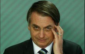 bolsonaroo e1557965436138 300x190 - 'Brasil é ingovernável fora de conchavos', diz Bolsonaro em texto compartilhado