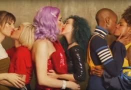 Natura faz propaganda com beijo lésbico e internautas pedem boicote