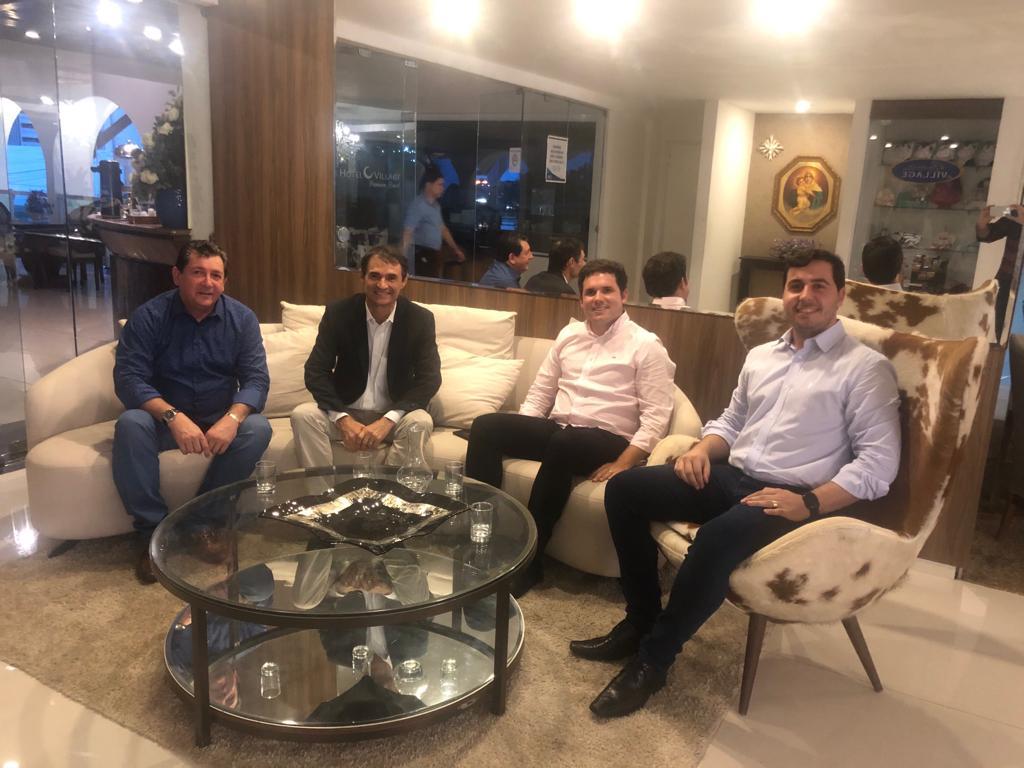 d13f5e8d afaf 4e8f ba39 c03f77cfa3e4 - Romero recebe Hugo Motta e reforça parceria política com o PRB em Campina Grande