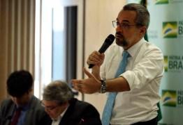 EITA! Entenda o erro básico de português que o ministro da Educação cometeu