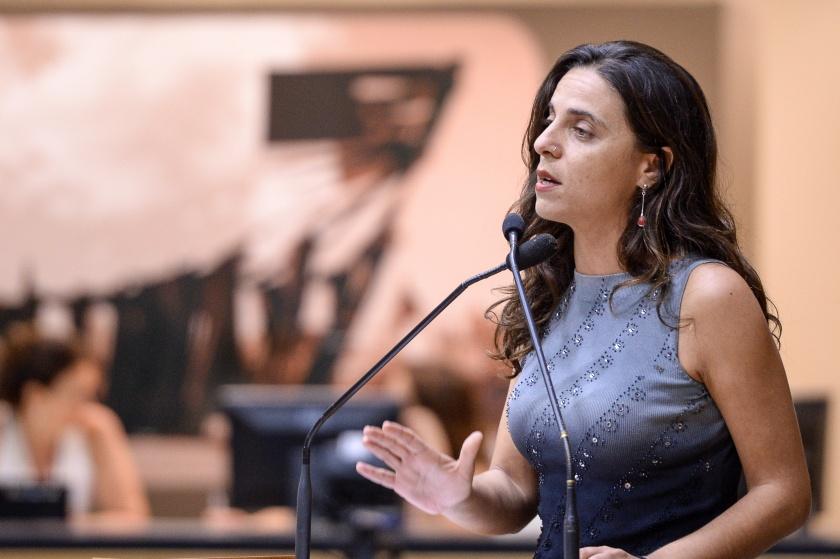 fernanda melchionna - Em resposta a cortes na Educação, deputada do PSOL propõe PEC para proibir contingenciamento