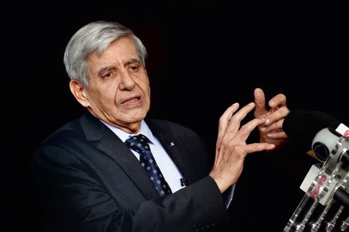 general augusto heleno 2018 4859 - RECADO AO STF: Apreensão do celular de Bolsonaro pode gerar 'consequências imprevisíveis', diz general Heleno