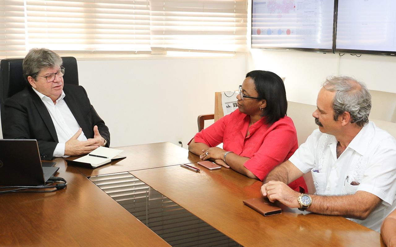 joão 1 - João Azevêdo recebe visita de cônsules de Cuba e discute parcerias para o estado