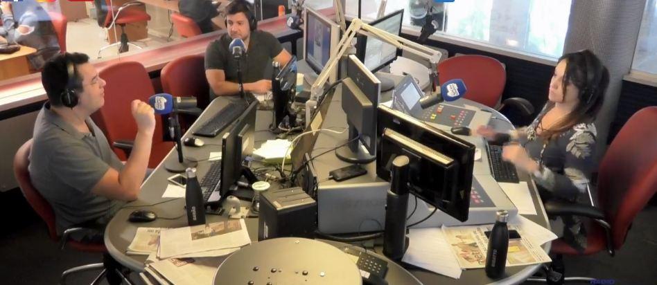 live band news rádio - BUEMBA! BUEMBA! Comentaristas da Band News citam caso de corrupção no Conde: 'Boca Louca renuncia e Cabaré está preso'