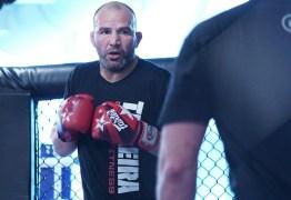 Glover analisa nova geração no UFC: 'A galera vê minha idade e pensa que vai passar por cima'