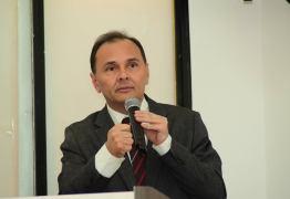 Deputado é assaltado ao deixar velório de radialista, em Campina Grande