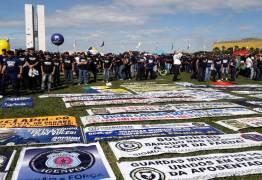 'BOLSONARO NOS TRAIU': policiais fazem manifestação contra a reforma da Previdência – VEJA VÍDEO
