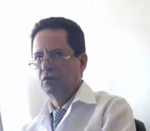 medico2 e1559059072243 300x263 - JEITINHO BRASILEIRO: Médico fornece atestado falso e diz que 'trabalhador é vítima'; VEJA VÍDEO