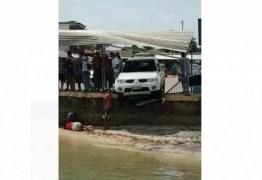 Mulher é atropelada por caminhonete no pátio da balsa de Cabedelo – VEJA VÍDEO