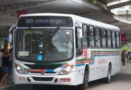Motorista de ônibus fica ferido após reagir a assalto