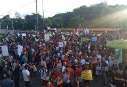 PELA EDUCAÇÃO: milhares de manifestantes realizam ato contra cortes anunciados por governo Bolsonaro e bloqueiam acesso a UFPB