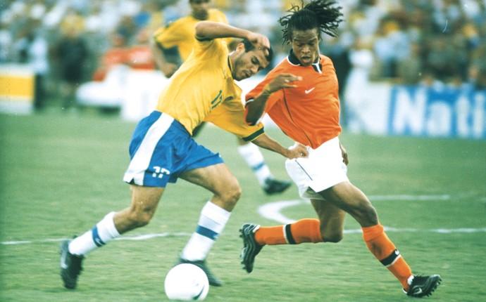 roni seleção brasileira - Ex-jogador da seleção é preso no enquanto assistia jogo no Rio de Janeiro