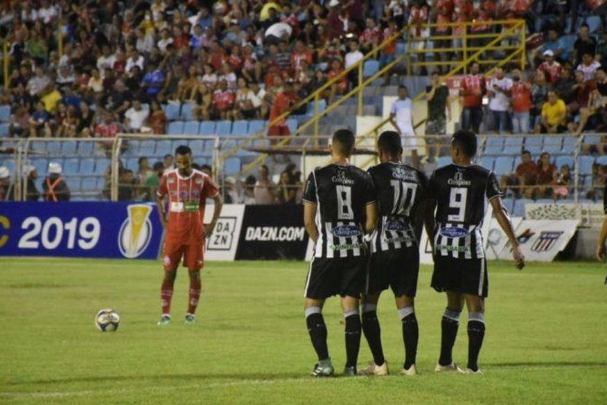 Treze enfrenta o Imperatriz e empata pela terceira vez na Série C do Brasileiro