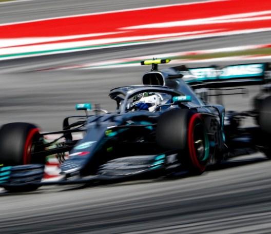 valtteri bottas pole 300x259 - Bottas faz a terceira pole no ano e impõe vantagem esmagadora de 0s6 sobre Hamilton na Espanha